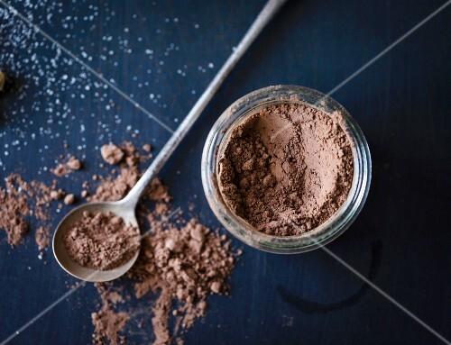 cocoa powder and measuring spoon