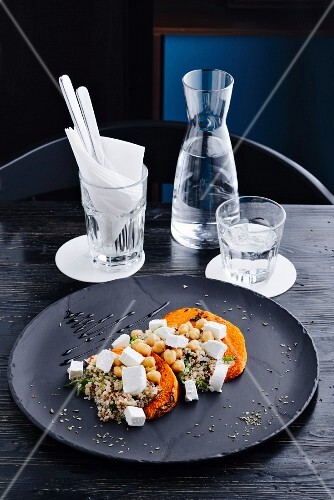 Moroccan salad with pumpkin, quinoa and chickpeas