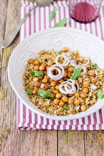 Chickpea salad with oat
