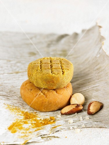 Vegan macadamia nut and Brazil nut cheese with curry powder