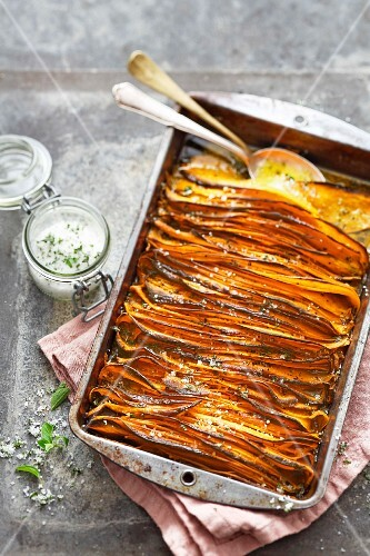Crispy sweet potato slices with oregano salt