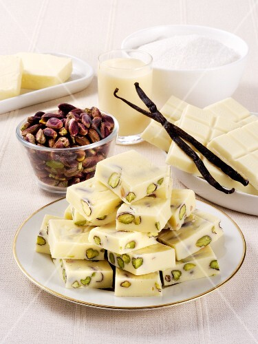 White chocolate chunks with pistachios