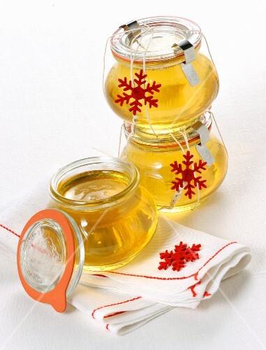 Black Muscat wine jam in jars as Christmas presents (Italy)