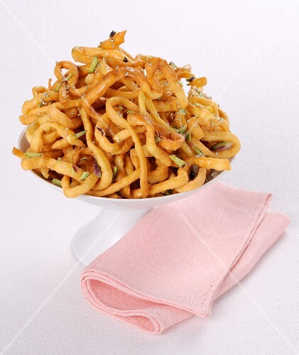 Fried noodles with spring onions