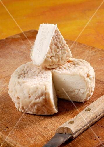 Robiola di Roccaverano (Italian goats' cheese)