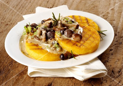 Grilled polenta with mushrooms and rosemary