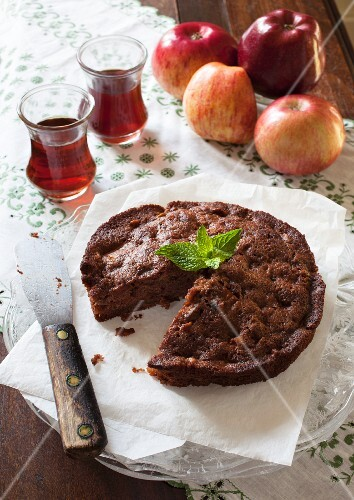 Polish apple cake without butter, sliced