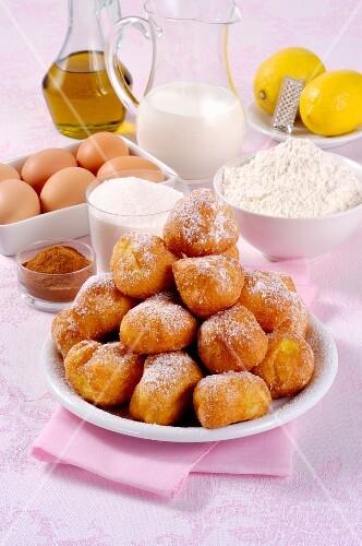 Tortelli Carnevale alla Milanese (Italian fried doughnuts)