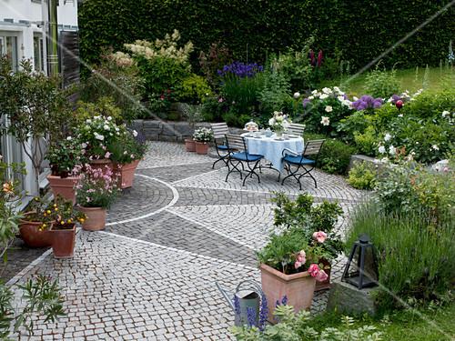 Sternformig Gepflasterte Terrasse Mit Bild Kaufen 12156943