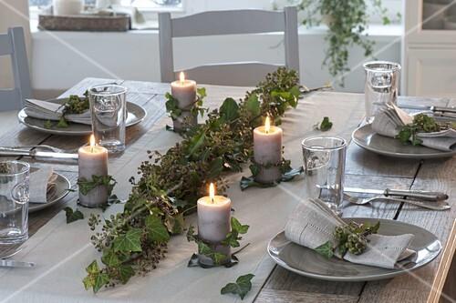 Efeu Tischdeko Mit Kerzen Bild Kaufen 12185311 Friedrich