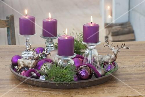 ungewoehnlicher adventskranz mit kerzen bild kaufen 12198161 friedrich strauss. Black Bedroom Furniture Sets. Home Design Ideas