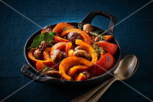 Fried pumpkin slices with chestnut and rosemary