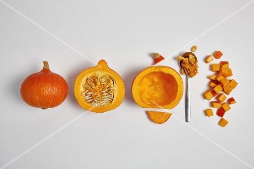Rinsing and dicing Hokkaido pumpkin (step by step)