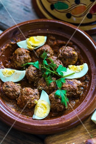 Moroccan meatballs with egg and parsley
