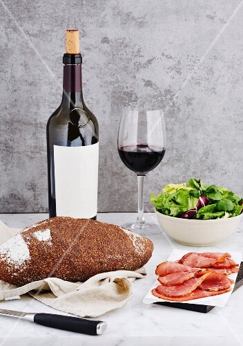 Ham and bread with wine