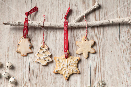 Decoration Biscuit Noel.Edible Iced Christmas Tree And Snowflake Shaped Biscuits