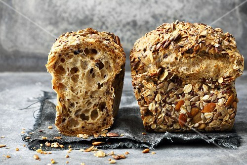Stone Age bread with kernels and seeds (Paleo)