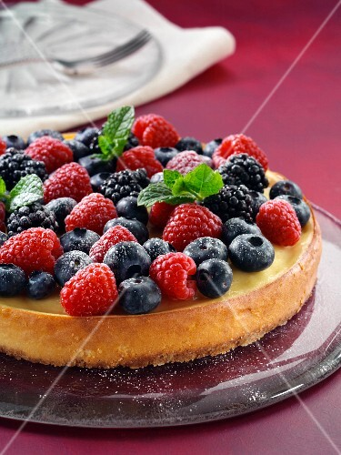Cheesecake with summer fruit