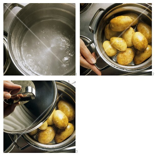 Steaming potatoes