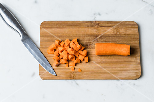 Save a sauce that is too spicy or too salty by adding carrot pieces to it
