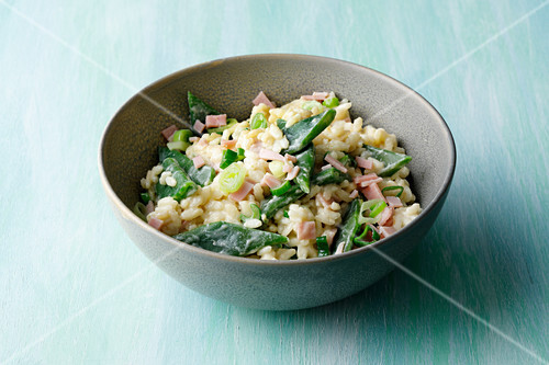 Almond and bean risotto with ham