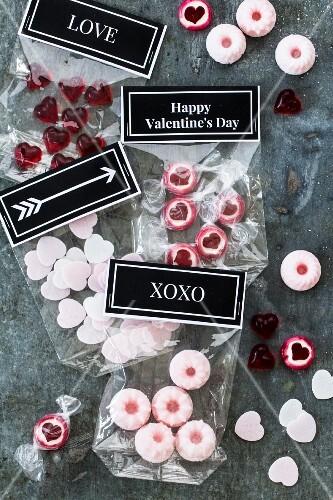 Selbstgemachte Süssigkeiten zum Valentinstag