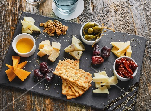Cheese platter served with crackers