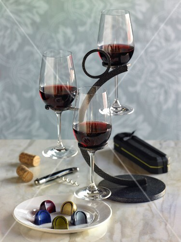 Red wine and chocolate confectionery