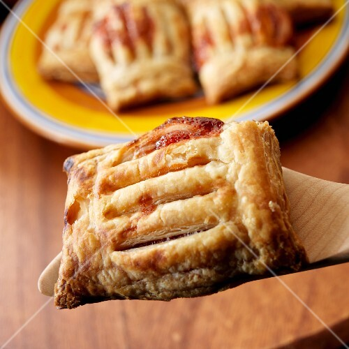 Pastelitos de Guayabay Queso - Guava and cheese pastries