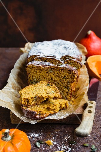 Pumpkin bread, partly sliced