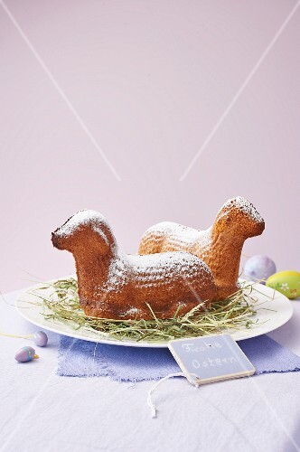 Baked Easter lamb with icing sugar