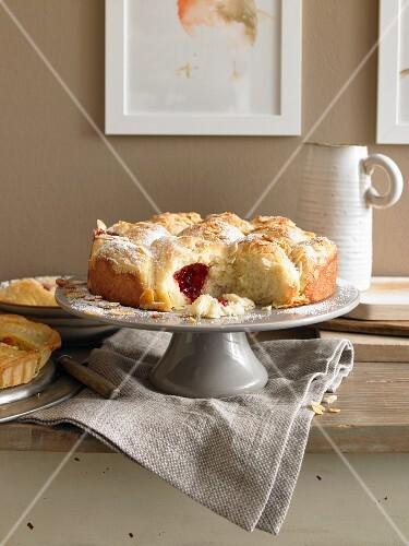 Butterkuchen-Brötchen mit Marmeladenfüllung