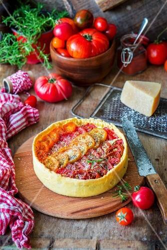 Tomatenpie mit Frischkäsefüllung