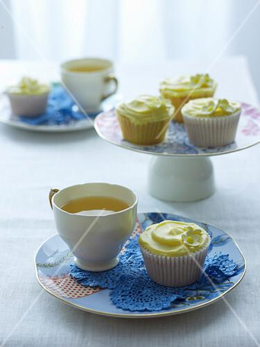 Vanille-Sauerrahm-Cupcakes zum Tee