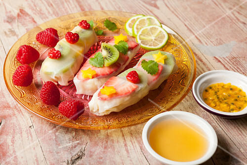 Rice pudding with fruit in rice paper