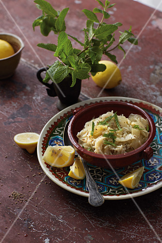 Makmur (Syrian white cabbage with rice)