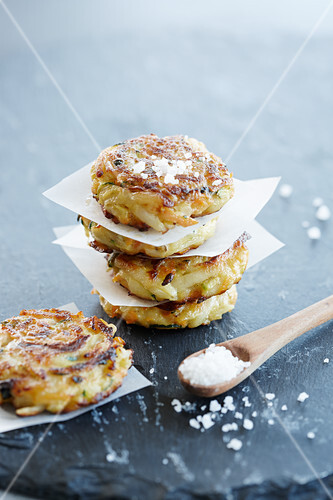 Vegetable fritters with sea salt
