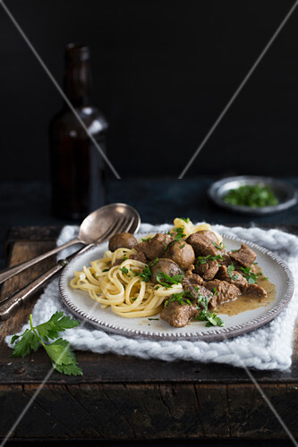 Beef stroganoff with noodles