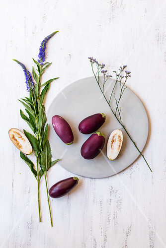 Mini aubergines with flowers