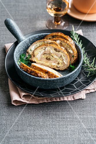 Rolled meatloaf filled with mushroom frittata