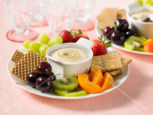 Smore fondue with fruits