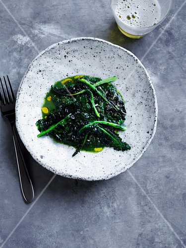 Nettle with spelt, smoked bone marrow and toasted broccoli leaves (2010s)