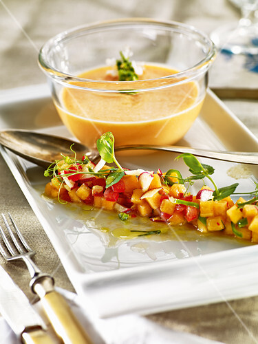 Cold melon and chilli soup with melon salad