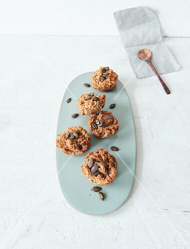 Sugar-free vegan breakfast muffins with pumpkin seeds
