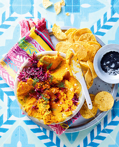 Spicy carrot dip with chips
