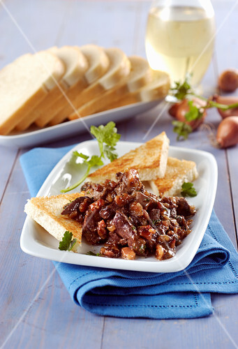 Liver with marsala and toast
