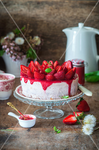 Cottage cheese cake with stawberry