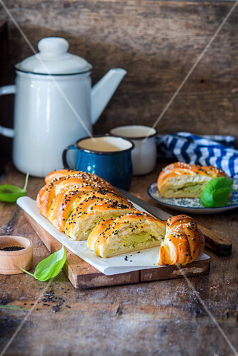 Cabbage yeast pie