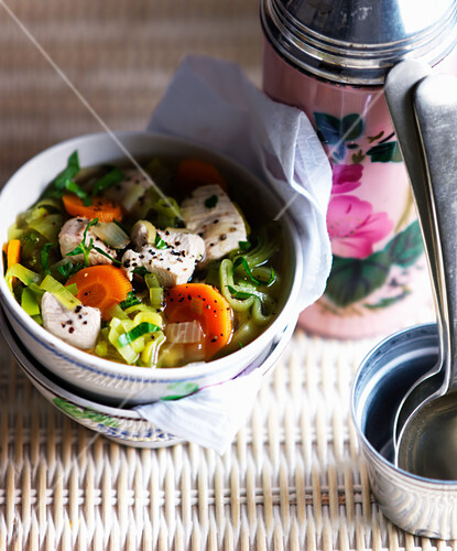 Chicken soup with leeks and carrots