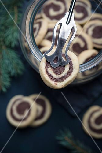 Chocolate Tonka Swirls (vegan)